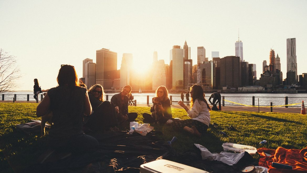 routes-of-safety-expat-nest-friends-picnic